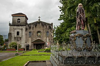 Pangil - The church with the statue of King Charles III