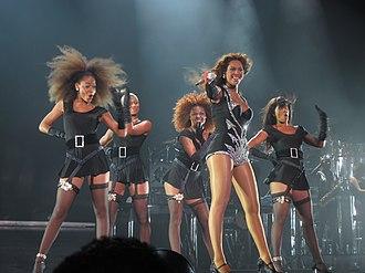 I Am... World Tour - Image: I Am... Tour 9
