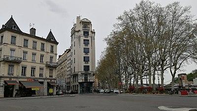 21eee6d177d Immeuble Cateland dans le quartier de Vaise à Lyon.