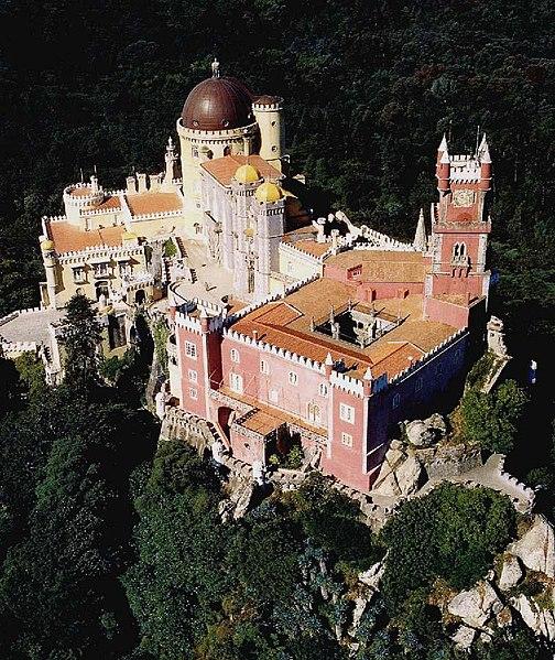 http://upload.wikimedia.org/wikipedia/commons/thumb/6/69/Ippar-palacio-pena-aerea.jpg/504px-Ippar-palacio-pena-aerea.jpg