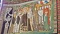 Italie, Ravenne, basilique San Vitale, mosaïque de l'impératrice Theodora avec son cortège, VIe siècle (48087028496).jpg