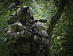 Jagdkommando trainiert (29592668441).jpg