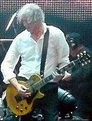 jimmy page with a goldtop classic premium, one of his many les pauls