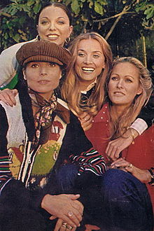 Barbara Bouchet assieme a Joan Collins, Ursula Andress ed Elsa Martinelli