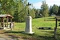 Kříž na rozcestí ke koupališti v Jetřichovicích (Q94436298) 01.jpg
