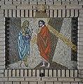 Kapel, een van de veertien kruiswegstaties, statie 6- Veronica droogt het aanschijn van Jezus af - Rosmalen - 20332335 - RCE.jpg
