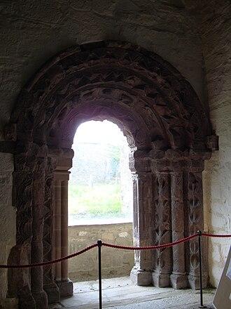 Killaloe Cathedral - Image: Killaloe Cathedral Romanesque Doorway