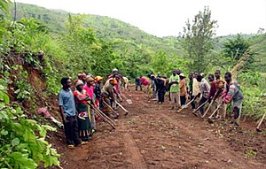 Banyamulenge - Mixed group of Banyamulenge and Bafuliru repairing a road between Lemera and Mulenge, South Kivu, ca. 2003