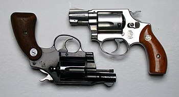 English: Colt and S&W compact revolvers