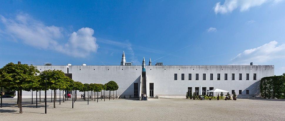 Kunst- und Ausstellungshalle der Bundesrepublik Deutschland - Bundeskunsthalle-9245