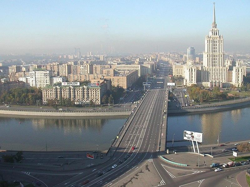 File:Kutuzovsky morning 2.jpg