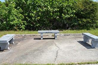 Memorial bench - Image: LC34 memorial benches