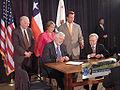 La UC firmó acuerdos con universidades de California-Davis y Stanford en el marco de la gira presidencial.jpg