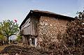 Lagjja e Bravëve –lagje arkitektonike dhe historike në Puset e Nikes.jpg