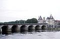 Le Pont Henri IV de Châtellerault.jpg