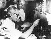 Luis Leloir and Carlos Eugenio Cardini at work in Fundación Instituto Campomar, 1960.