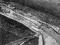 Les tribunes, le virage et la passerelle (24 Heures du Mans 1933).jpg