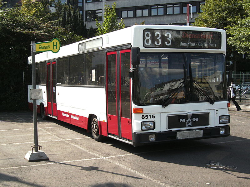Datei:Linie 833-1 (Rheinbahn).jpg