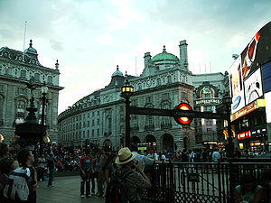 London-PiccadillyCircus.jpg