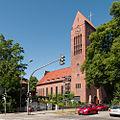 Lutherkircheaußen.jpg