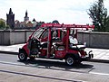 Mánesův most, turistické autíčko (01).jpg