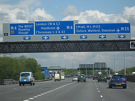 Looking north along the M25 in April 2009 M25 Motorway Clockwise. Junction 15 Slip Road For M4 - geograph.org.uk - 1280504.jpg