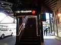 MTA Woodside 61st 03.jpg