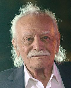 Manolis Glezos with LAE 3.jpg