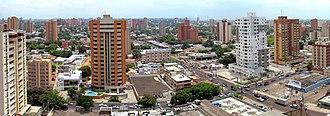 Maracaibo - Image: Maracaibo panoramica avenida Cecilio Acosta cuted