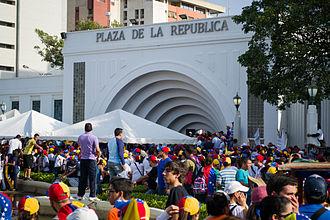 Timeline of the 2014 Venezuelan protests - Protesters at Plaza de La República in Maracaibo, Venezuela on 16 February.