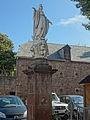 Marcillac-Vallon, statue de la Vierge.jpg