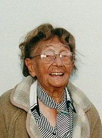 Margarete Schütte-Lihotzky 1997.jpg