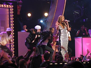 """E=MC² (Mariah Carey album) - Carey opening the 2008 Fashion Rocks ceremony with a live performance of """"I'm That Chick""""."""