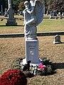 Mary tyler moore grave 2.jpg