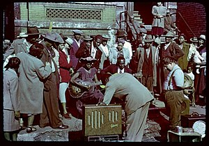 Chicago blues - Maxwell Street blues performers and onlookers circa 1950