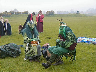 Thornborough Henges - The May King and Queen, Thornborough Central Henge, Beltaine 2005