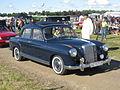 Mercedes-Benz 220 S (11257174974).jpg