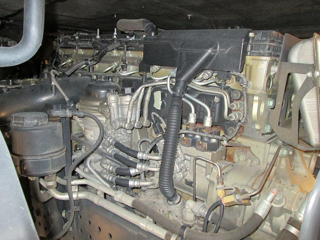 Peugeot 407 Service Intervalspeugeot 406 Fuse Box Get Free Image File Mercedes Benz Actros 1845 Engine Left Side2