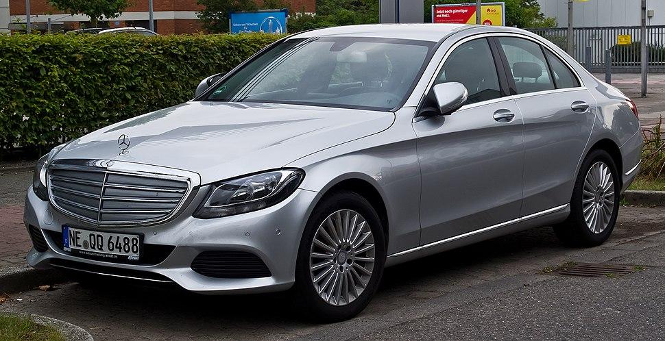 Mercedes-Benz C 220 BlueTEC Exclusive (W 205) %E2%80%93 Frontansicht, 12. Juli 2014, D%C3%BCsseldorf