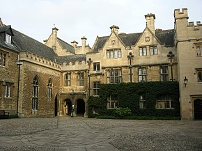 Merton college, front quadrangle 01.JPG