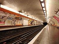 Metro de Paris - Ligne 7 - Place Monge 01.jpg