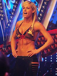 http://upload.wikimedia.org/wikipedia/commons/thumb/6/69/Michelle_McCool_Rosemont_IL_031108.jpg/200px-Michelle_McCool_Rosemont_IL_031108.jpg