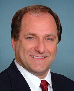 Mike Capuano American politician