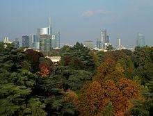 Panorama di Milano e del Parco Sempione in ottobre