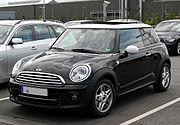 Mini Cooper (R56, Facelift) – Frontansicht (1), 17. Juli 2011, Düsseldorf