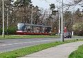 Modřany, Generála Šišky, zastávka Sídliště Modřany, tramvaj (01).jpg