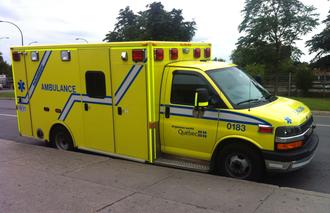 Urgences-santé - Urgences-Santé Ambulance in front of Villa-Maria metro station