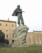 Monumento al partigiano inserito in copertina il piombo e l'argento
