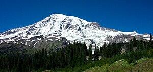 English: A photo of Mount Rainier taken from P...