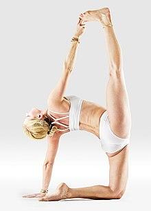 220px Mr yoga one legged cammel yoga asanas Liste des exercices et position à pratiquer